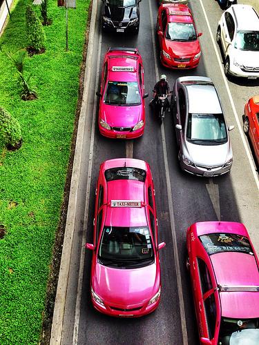 タクシー タイ人 ドライバー お金返金