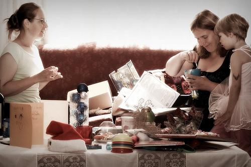 サハグループ・フェア クイーンシリキットセンター 化粧品 家庭用品