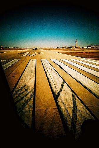 鉄道、空港など整備 タイ