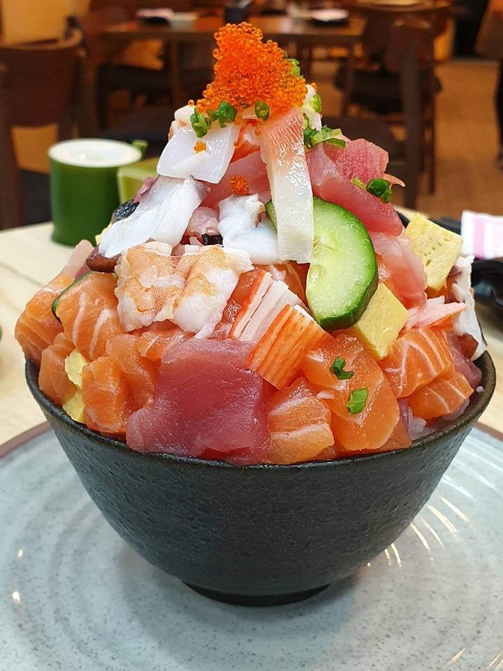 海鮮特盛り丼「富士山」359Bがインスタ映え@SushiNa フォーチュンタウン!
